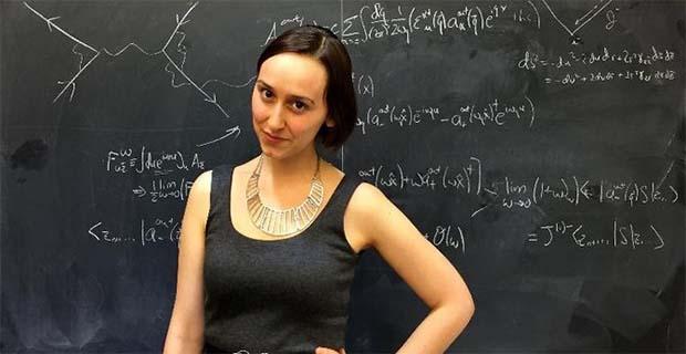 Inilah SOsok Wanita Cantik Yang Diklaim Bisa Meneruskan Albert Einstein Diabad ke 21
