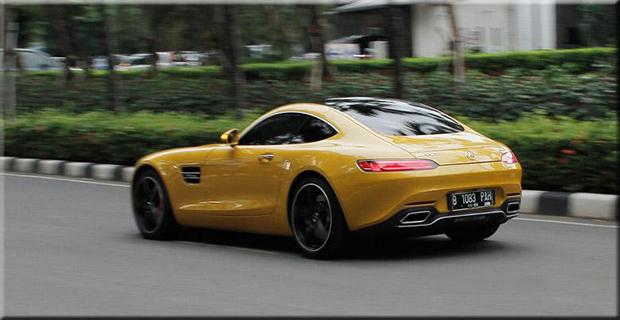 Tampilan Yang Menawan dari Mobil Sport Mercedes - AMG