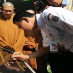 Ahok Meminta Warga Tetap Harmoni Saat Menghadiri Peringatan Waisak di Wihara Ekayana