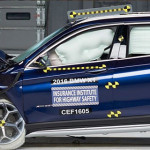 BMW X1 Meraih Predikat Top Safety Pick+ Setelah Uji Coba Tabrak