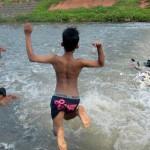 Bocah SD Hilang Terbawa Arus Saat Sedang Berenang di Kali Malang