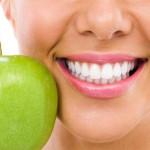 Berikut Cara Alami Untuk Memutihkan Gigi
