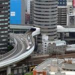Negara Ini Mempunyai Jalan Tol Yang Tembus Gedung Dan Hanya Satu-satunya di Dunia