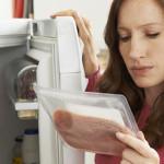 Mengkonsumsi Makanan Kedaluwarsa, Inilah Bahayanya!