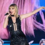 Taylor Swift Membawakan Lagu Mantan Pacar Saat Menghibur Penonton F1