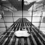 Kapan Apple Akan Menyusul Microsoft Untuk Membuat Produk AR?