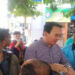 Ahok Menegur Dinas PU Saat Tinjau Trotoar di Muara Karang