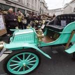 Lebih Dari 400 Mobil Klasik Dipajang di Jalanan London