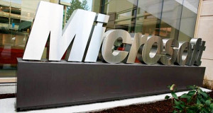 Tidak Hanya Blackberry, Ternyata Microsoft Juga Punya Smartphone Keyboard Fisik