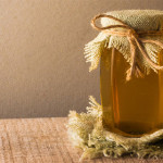 5 Manfaat Sehat yang Akan Kamu Dapatkan dari Manisnya Air Madu