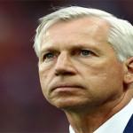 Crystal Palace Memecat Alan Pardew