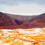 Setelah 37 Tahun, Salju Basahi Gurun Sahara Lagi