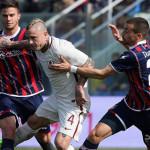 Gol Nainggolan dan Dzeko Antarkan Roma Tumbangkan Crotone