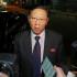 Dubes Korea Utara Membawa Jaguarnya Meninggalkan Kedutaan yang Diusir Malaysia