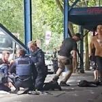 Pria Membawa Kapak Menyerang dan Mengejar Wanita di Mall Melbourne