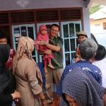 Calon Gubernur DKI Ahok Pulang Kampung ke Belitung dan Berziarah ke Makam Ayah