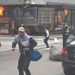 Teror Truk Swedia Memakan Korban 3 Orang yang Tergeletak di Jalan