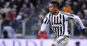Juventus Tidak Akan Lepas Alex Sandro