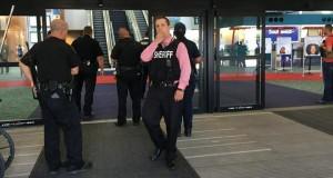 Seorang Pria Tikam Polisi AS di Bandara Michigan