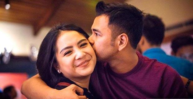 """Raffi Ahmad Menggunakan Helikopter Ke Gala Premiere Film """"Rafathar"""" Bersama Dengan Sang Istri, Anak, Serta Raditya Dika"""