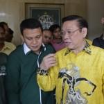 Agung Laksono Minta DPP Golkar Pecat Indra Piliang