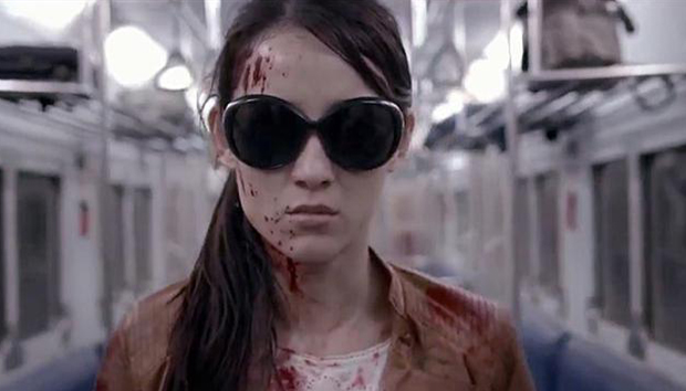 Julie Estelle tanda tangani kontrak dengan Agen Hollywood