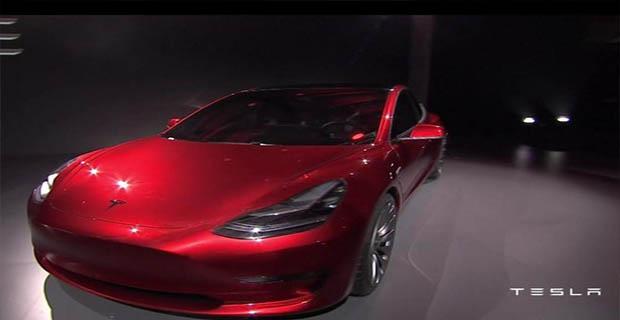 Pesanan Tesla Model 3 Dibatalkan 8.000 Peminatnya