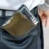 Ternyata Menyimpan Dompet di Saku Belakang Bisa Menyebabkan Ganggaun Saraf