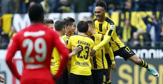 Dortmund Hantam Frankfurt 3-1