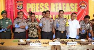 Polisi Ciduk Pembuat Senpi Rakitan di Lampung