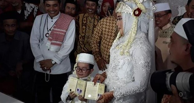 Daus Mini Menikah Lagi
