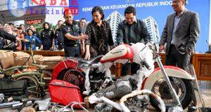 CEO Garuda Indonesia Dipecat, Ada Apa?
